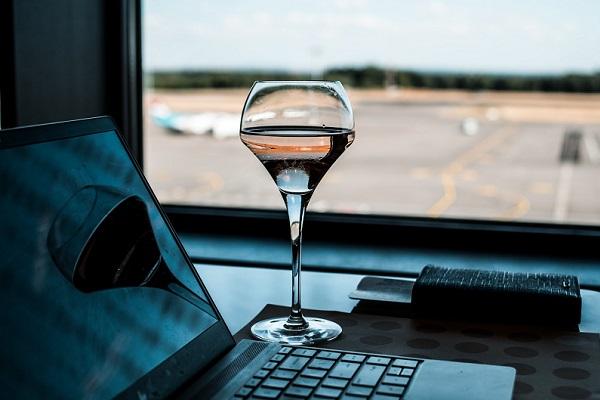 空港が便利で快適に!ANAラウンジのサービス内容と利用条件を紹介