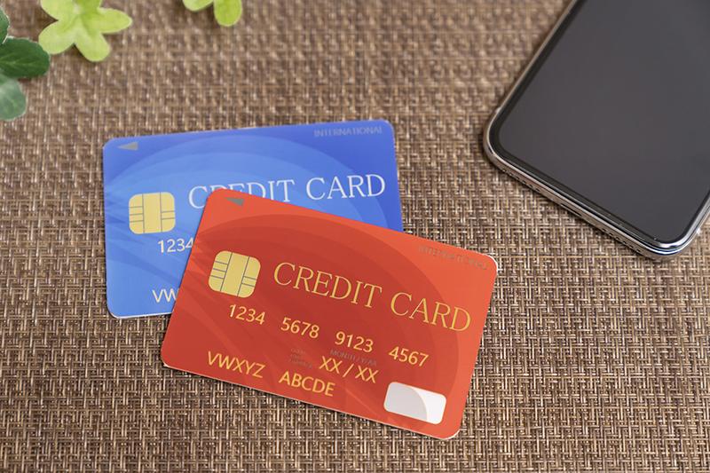 クレジットカードを2枚持つメリットは?選び方とおすすめカードも紹介
